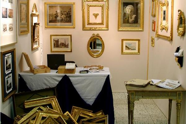 messestand-auf-der-arts-und-antiques-in-wiesbaden-14DB9FDA9E-E7EF-761F-8FB3-87539358B121.jpg
