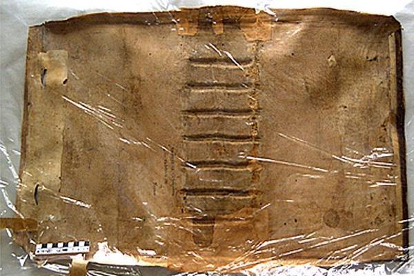 papier-bibel-01AF4EBD99-3562-C1CC-2936-1275E546F18E.jpg